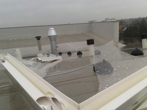 rozbité flexi na střeše